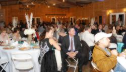 wedding crowd at Teaghlach Meadows
