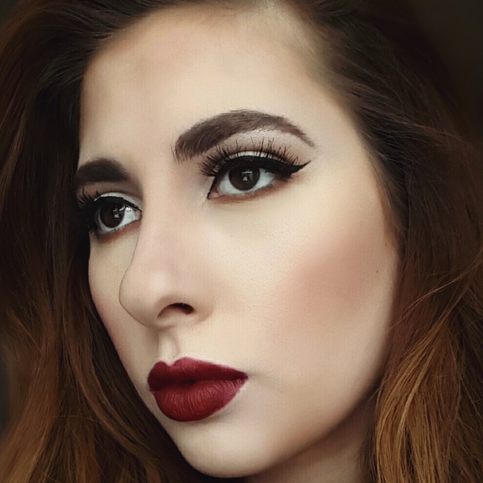Vintage Red Lips Makeup