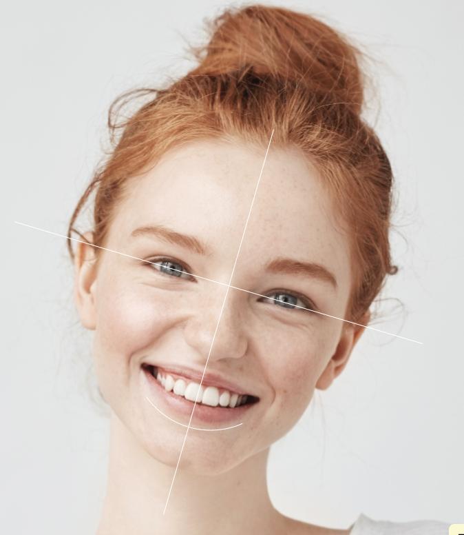 La photo prtrait dans le Smle Design permet d'étudier la symétrie et les courbes du visage