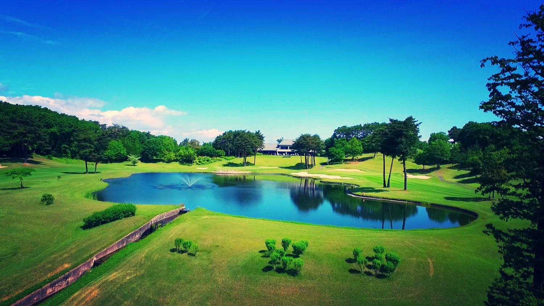 矢吹ゴルフ俱楽部池の全景