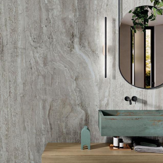 Navona grey på veggen og vask i rebel emerald