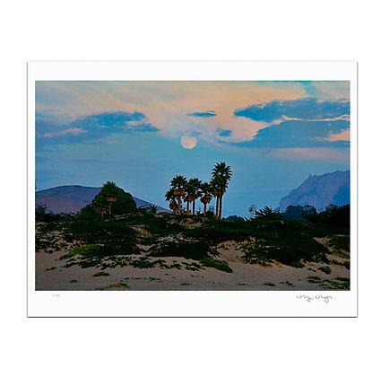 Moonrise At Morro Bay Print
