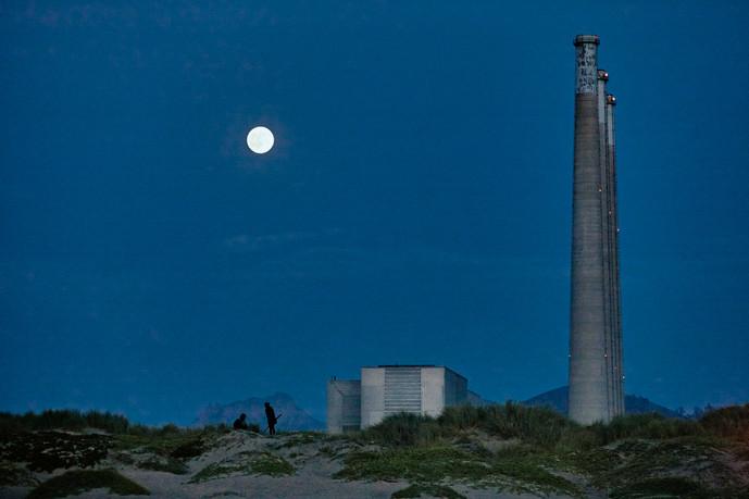 The Blue Moon at Morro Bay