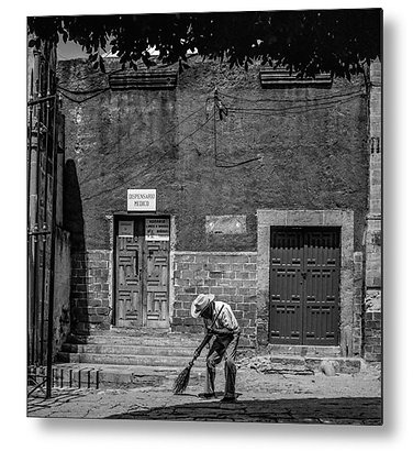 Sweeping In The Square Metal Print