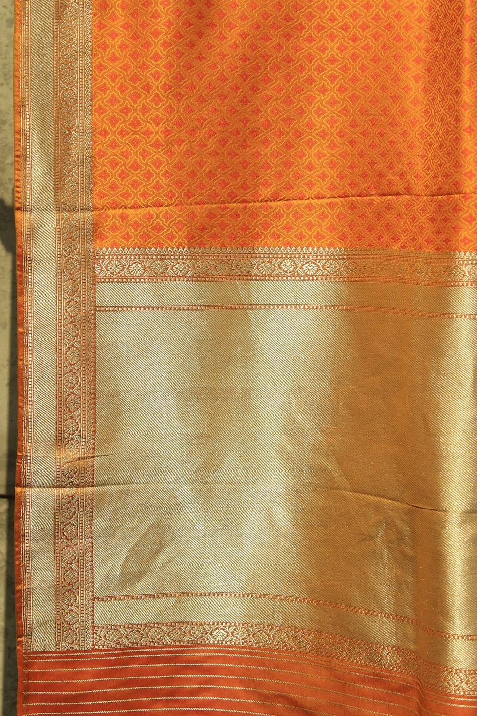 Amb- 082/14 SL- 2 - Through shuttle woven with multiple weft in body