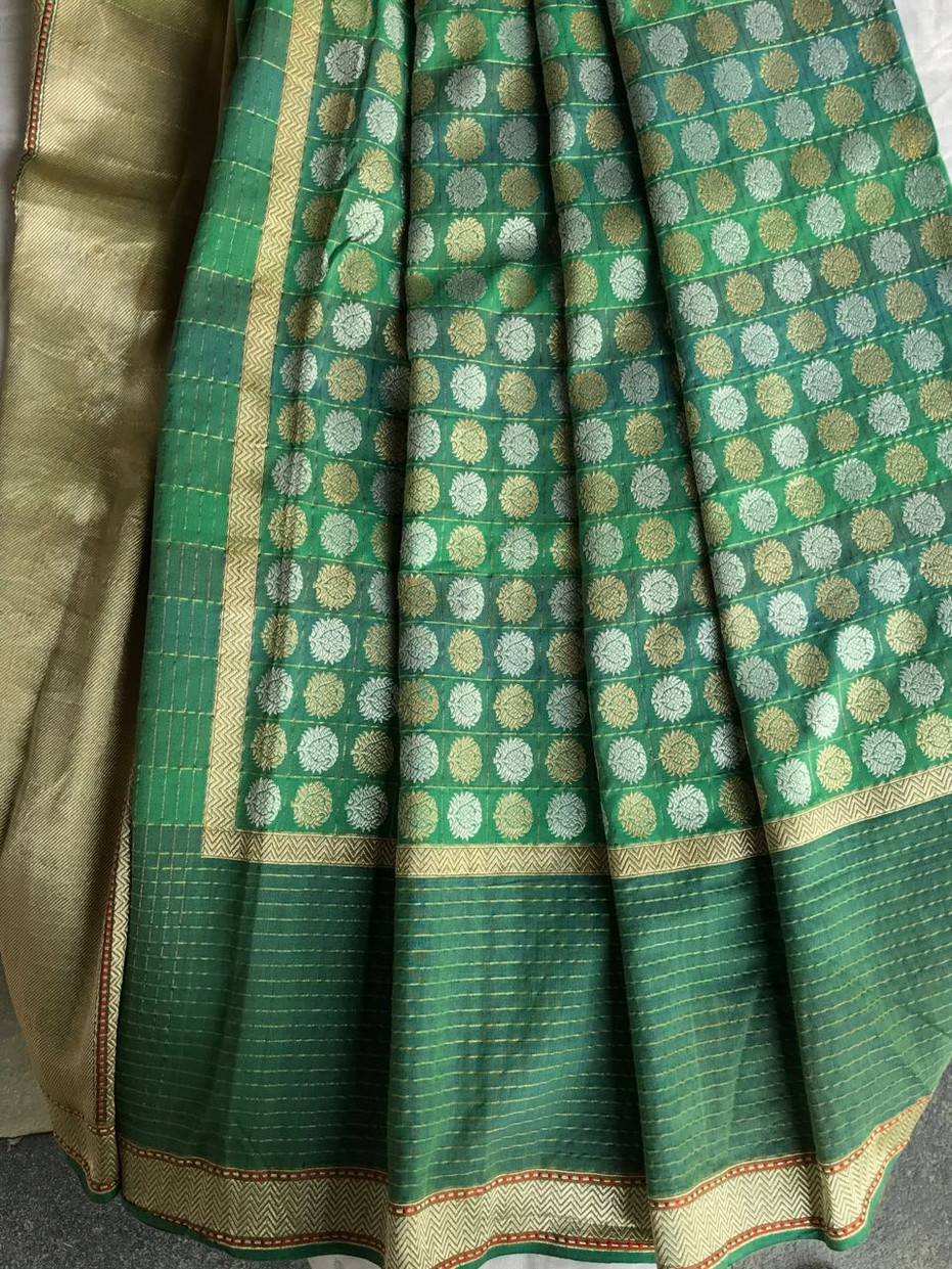 CC- 22/15 SL- 1 - Low twist Karnataka silk with loom embroidered body pattern in silk