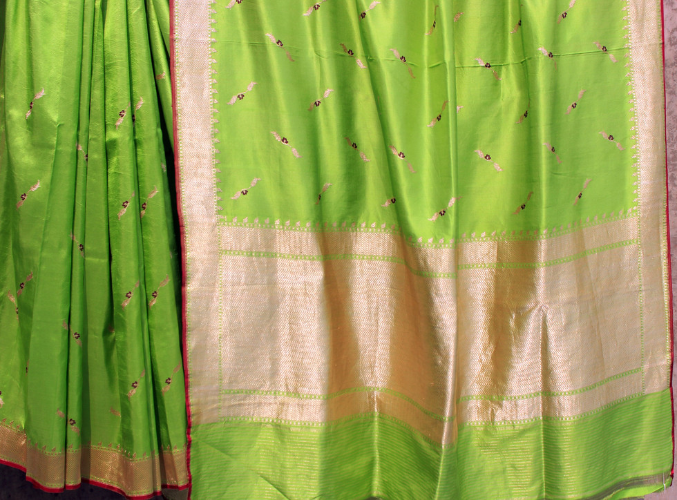 AMB 096/16D-11  Low twist silk sari with loom embroidered body pattern and border
