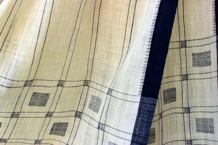 D.No.AN-7- Jamdani square motifs in pallu both ends with 3 shuttle cotton borders