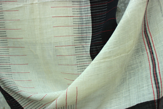 DNO. 130-Natural white cotton body with 3 shuttle borders and design