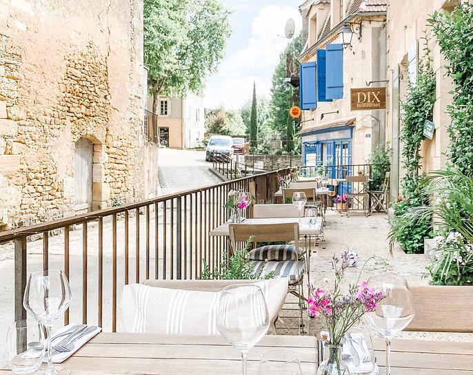 DIX_RESTAURANT_dordogne_terrace.JPG
