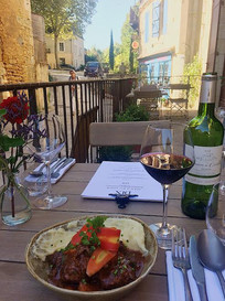 dix-sainte-alvere-dordogne-food-terrace.