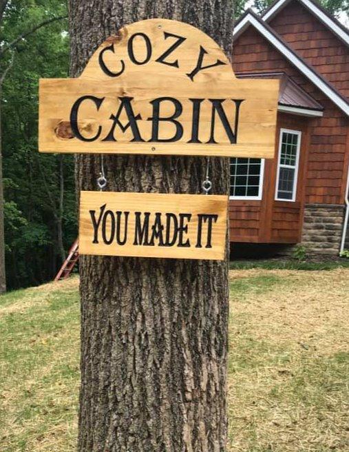 cabin%20sign%201_edited