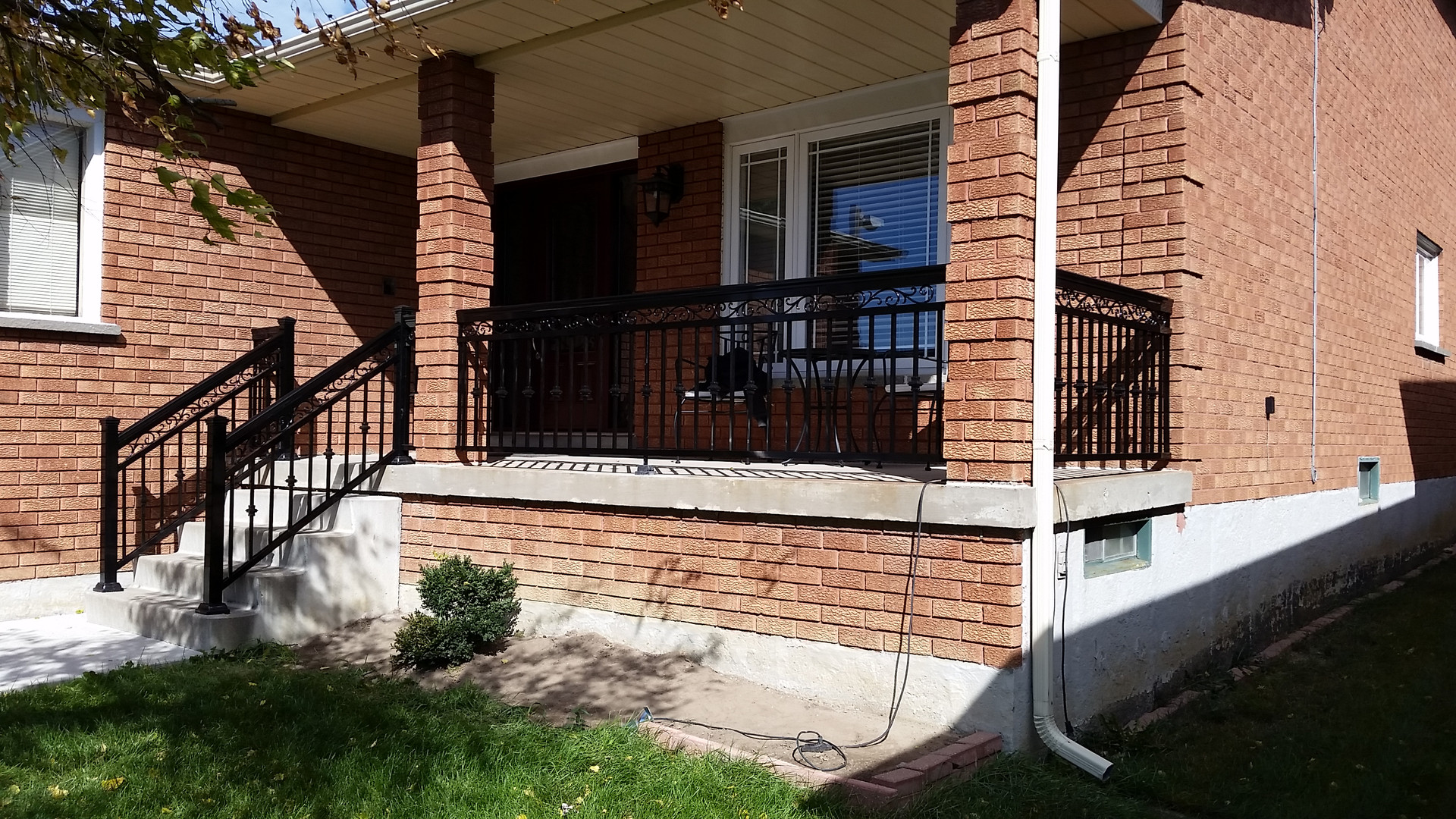 Custom Aluminum Railings