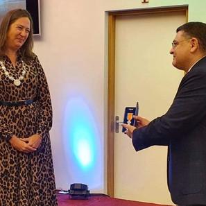 Royal Award for Dr. Samuel Lee