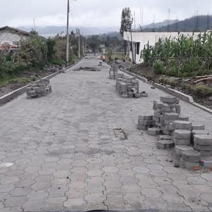Acuerdo entre la Prefectura, el GAD y UNACEM Ecuador hacen posible una obra vial