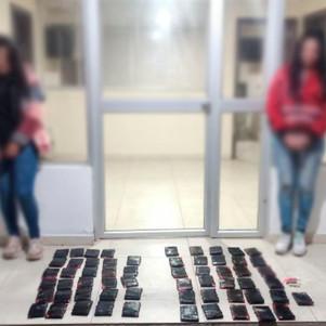 Dos mujeres detenidas por llevar droga adherida a su cuerpo