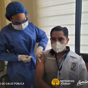 Personal médico del  hospital del IESS de Ibarra recibirán primeras vacunas contra el covid 19