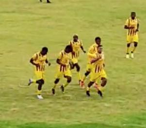 Leones goleó y Santa Fe se mantiene como líder del torneo provincial