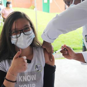 Continúa proceso de vacunación a estudiantes mayores de 16 años