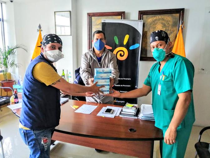 Alcaldía de Pimampiro entregó 300 pruebas para COVID-19 al Ministerio de Salud