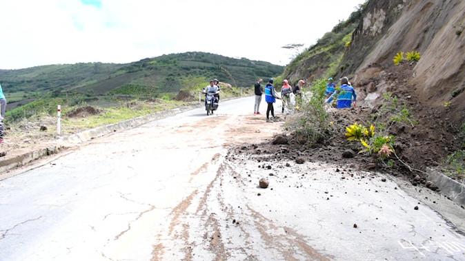 Los GAD y pobladores se unen para mantener en buen estado los caminos