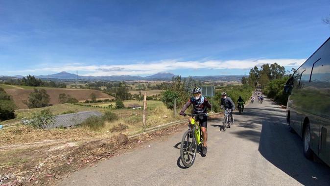 """Paseo ciclístico en Tulcán """"Ruta de los Colores"""" resultó un éxito"""