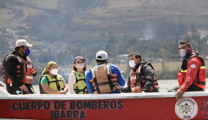 Gobernación de Imbabura coordina acciones para contrarrestar daño ambiental en Yahuarcocha
