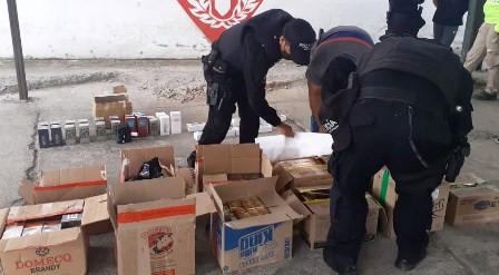 Tres detenidos por transporte ilegal de mercadería