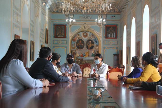 Alcaldesa de Ibarra confirma renovación de su equipo de trabajo