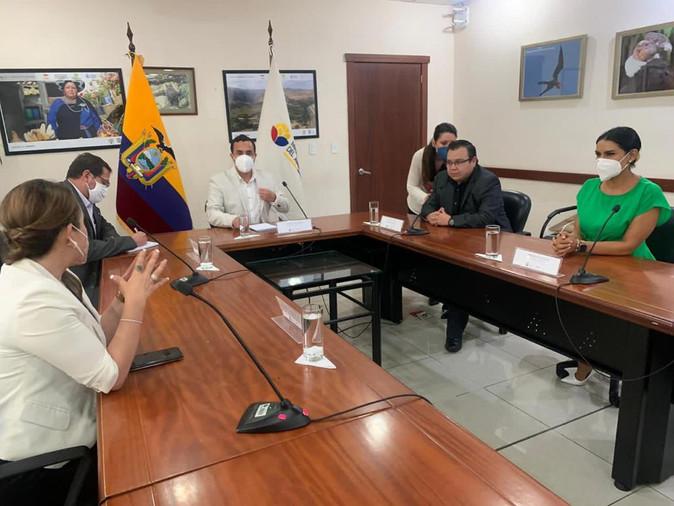 Alcaldesa y  Gobernadora  piden apoyo  a Ministerio de Ambiente para salvar a Yahuahuracocha
