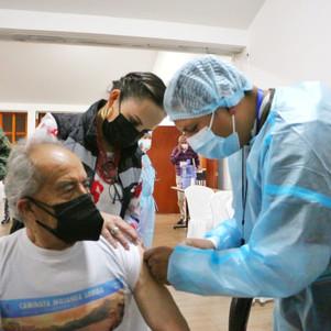 Masivo proceso de vacunación en Imbabura