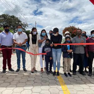 Municipalidad de Ibarra entrega adoquinado en vía