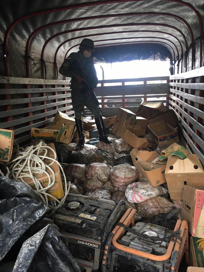 Intercambio de disparos previo a decomiso de material minero en Ibarra
