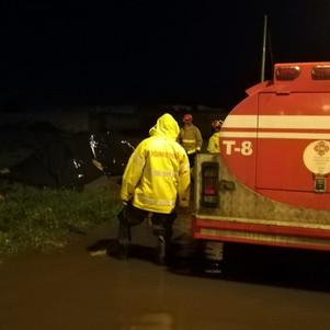 Bomberos atendieron varias inundaciones producto de la lluvia