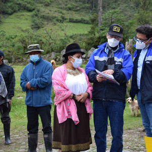 Técnicos de la EMAPA-I y autoridades de GAD Parroquial  Angochagua revisaron estudios del sistema