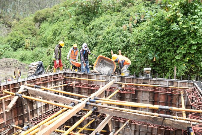 Avanza construcción de sistema de agua potable Zambal de Las Rosas