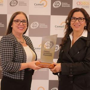 UNACEM Ecuador recibió el Distintivo ESR® por sus buenas prácticas de responsabilidad social empresa