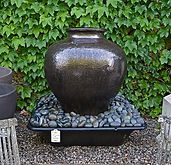 contemporary-foundation-jar-fountain-det