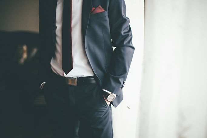 Anzug und Krawatte