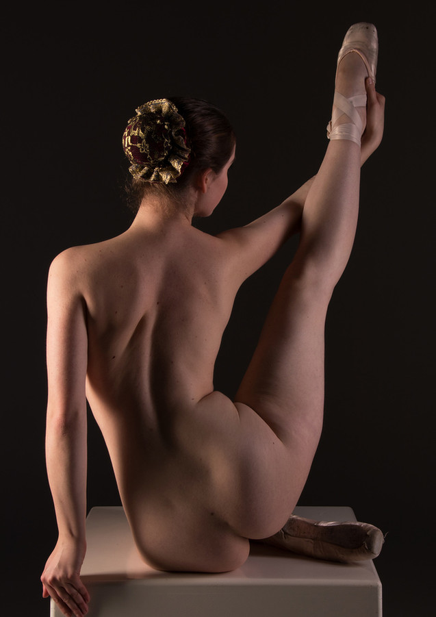 art nude pointe.jpg