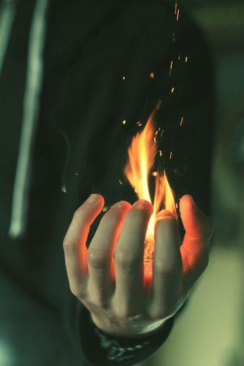 Fuego en la Mano