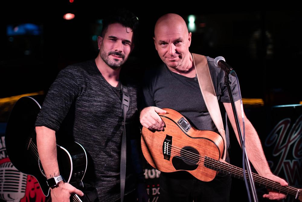 Marc Terenci (links) mit unserem Musiker Dr. Slide auf der Meat with Beat Bühne.