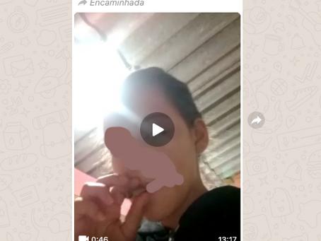 Mãe é presa após obrigar criança de 1 ano a fumar maconha