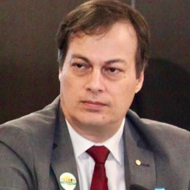 Karel Ozon Monfort Couri Raad