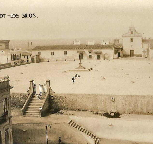 1920 aprox. Vista general de los Silos.jpg