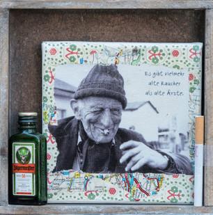 Es gibt viel mehr alte Raucher als alte Ärzte (?)