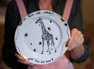 Teller mit Giraffe