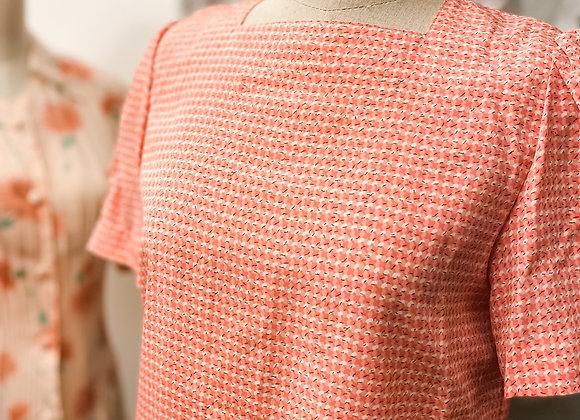 粉紅白冷紋方領短袖恤