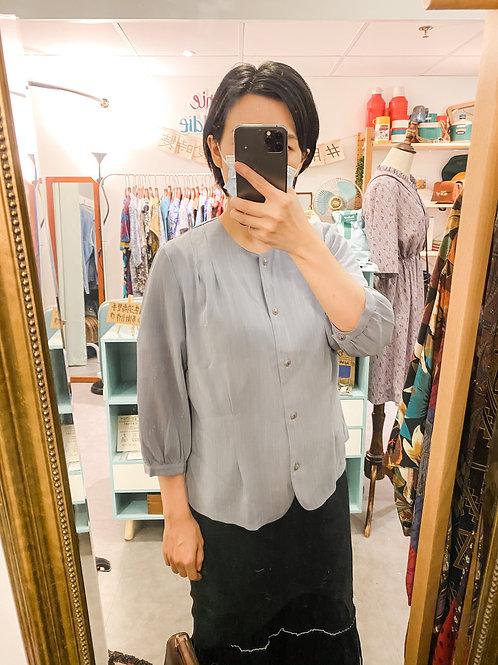 灰紫圓領上衣