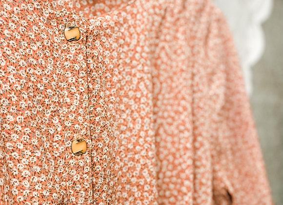 淺粉白碎花短袖連身裙